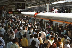 Stranded: Chaos at Mumbai's Andheri station as strike by motormen disrupted public life. The stir was finally called off on Tuesday evening following an assurance that their demands would be looked in