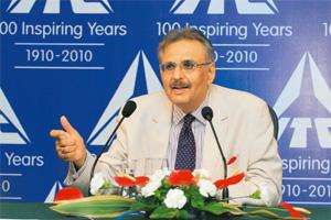 Ambitious plans: ITC chairman Y.C. Deveshwar at the press conference. Indranil Bhoumik / Mint