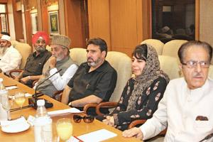 Decision deferred: People's Democratic Party chief Mehbooba Mufti (second from right) and other leaders at an all-party meet on Kashmir at the Prime Minister's residence in New Delhi on Wednesday. Arv