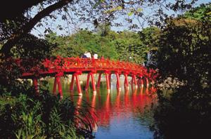 Languid: A footbridge over Ho Hoan Kiem lake in Vietnam's capital city Hanoi. Thinkstock