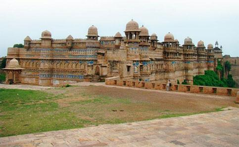 Majestic: The Man Mandir Palace is the second largest fort in India.