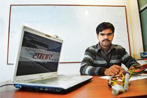 Facing challenges: Peeyush Bajpai, director and co-founder of Raftaar.com, a Hindi search engine. Pradeep Gaur/Mint