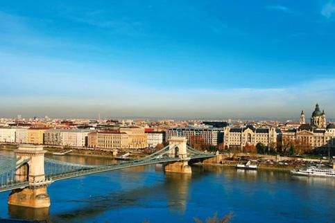 Vintage appeal: A view of Budapest's Chain Bridge over the Danube river.Photo Thinkstock