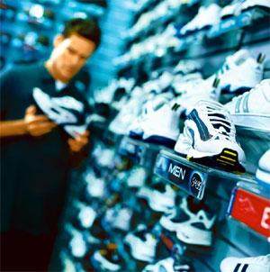Close fit: Online shoe shopping is different from buying clothes on the Net.