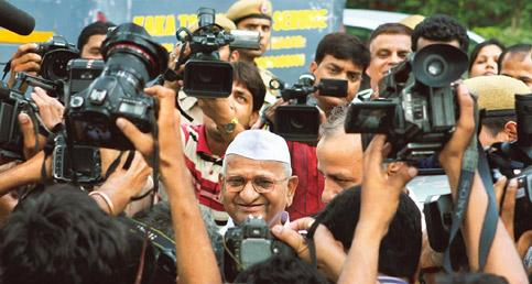 Saturation coverage: Anna Hazare and the media in New Delhi. Photo by Hindustan Times