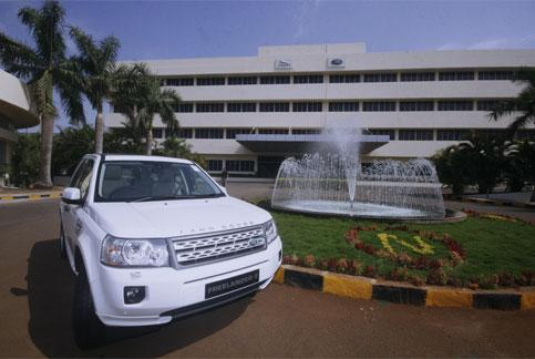 Jaguar land rover aims to double india sales plans new for Tata motors range rover