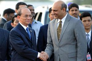 President of Myanmar Thein Sein (L). Photo: AFP