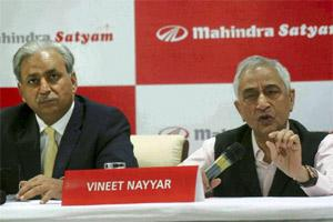 MahindraSatyam chairman Vineet Nayyar announcing the Q2 financial results of the company in Hyderabad on Thursday. PTI