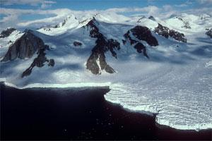 A glacier meeting the ocean in Antarctica (File photo Bloomberg)