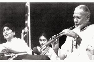 'Jugalbandi': Vidya Rao (centre) with Naina Devi and shehnai player Bismillah Khan in Delhi in 1986. Courtesy HarperCollins India
