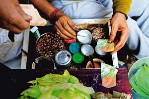 A paan stall in Naya Bans. Photographs by Pradeep Gaur/Mint