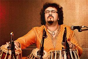 Troikala: Bickram Ghosh collaborates with artists Rachel Sermanni and Papon.