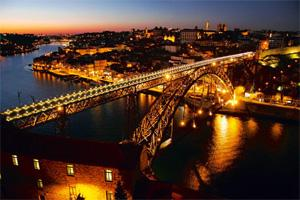 Snapshots: The landmark Maria Pia Bridge across the Douro river was built by Gustave Eiffel. Photographs by Thinkstock