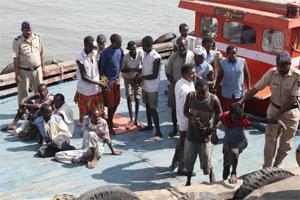 Arrested Somalian pirates. Photo: HT