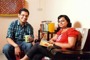 Middle path: Punya Shivram gifted her husband Rajesh Tekchandani a gift voucher of a popular book store. Photo: Hemant Mishra/Mint