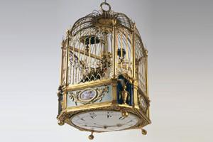 Twitter time: One of Jaquet-Droz' signature smaller automata featuring moving and singing birds inside a cage, with a clock fit into the bottom. Photo credit: Jaquet-Droz
