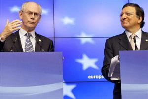 European Commission president Jose Manuel Barroso, right, and European Council president Herman Van Rompuy participate in a media conference at EU Summit in Brussels. Photo: AP