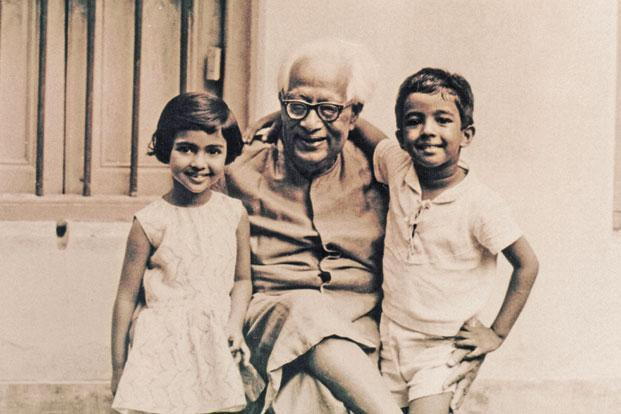 Bose with his grandchildren, Nandini (left) and Falguni. Photo: Falguni Sarkar, Bose family