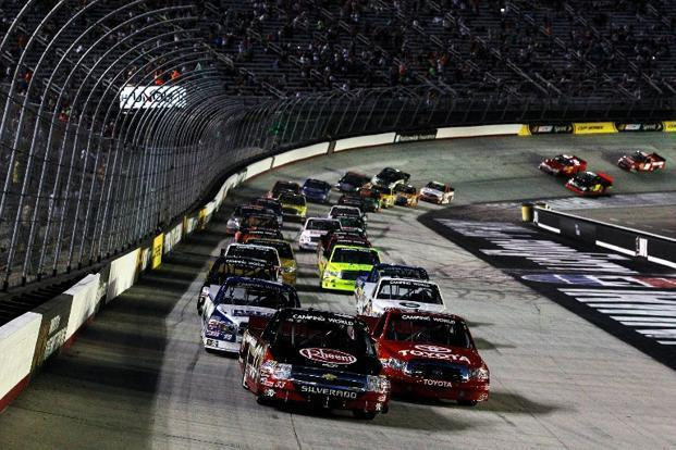 Slideshow nascar world truck series racing slideshow for Camping bristol motor speedway