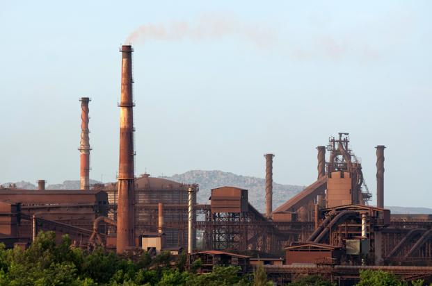 A file photo of a Jindal Steel Works plant in Vijayanagar, Karnataka. The IMG has so far cancelled the five coal blocks. Photo: Aniruddha Chowdhury/Mint