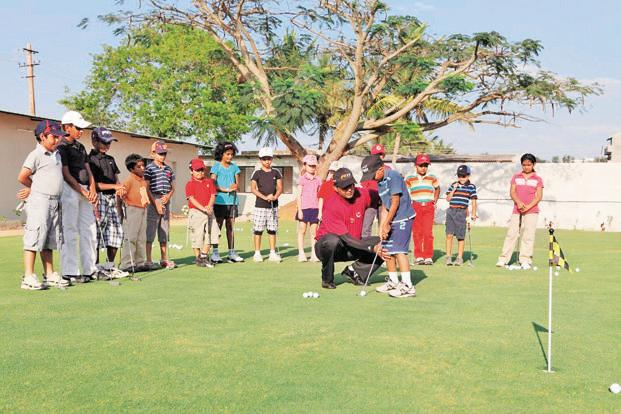 Lessons at the Touché Golf School. Photo courtesy: Touché Golf School