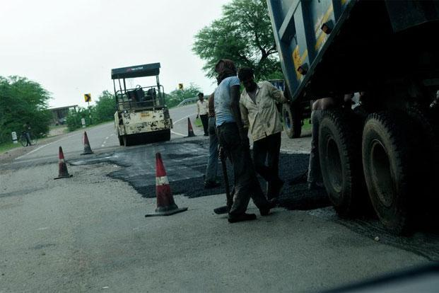The environment ministry said it cannot accept the highways ministry's suggestion to simplify the process of obtaining nods for road projects in forest areas. Photo: Pradeep Gaur/Mint