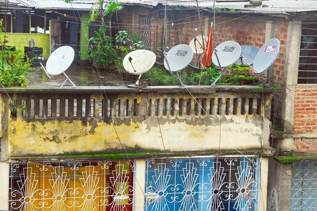 Under a new law, the government has made it mandatory for cable operators in the four metros to deliver only digital signals that can be accessed through a set-top box. Photo: Indranil Bhoumik/Mint (Indranil Bhoumik/Mint)