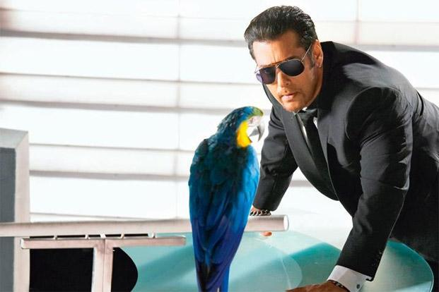 Salman Khan with Radhe the parrot, a member of the Bigg Boss house this year. Incidentally, it bit Khan on the sets. Photo courtesy: Endemol India