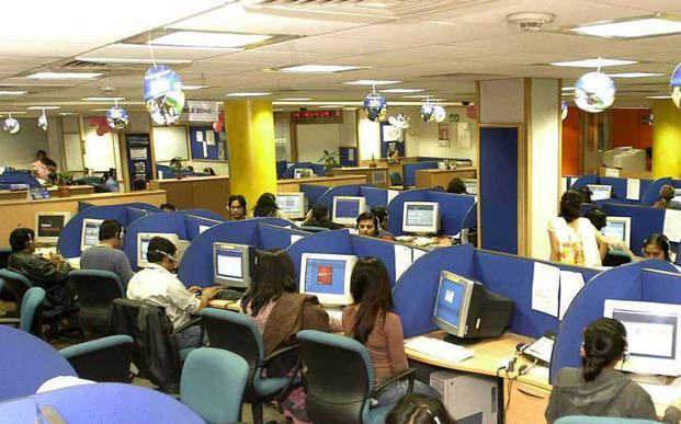 Employee surveys conducted by online networking site Glassdoor.com indicate the companies growing faster are rated ahead of the laggards. Photo: HT (HT)