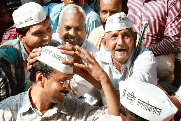 Crusaders: Kejriwal (left) has caught the political establishment on the wrong foot. Photo: Shahbaz Khan/PTI.