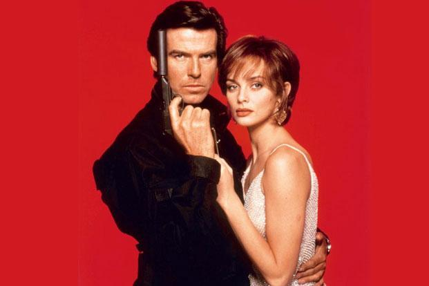 Pierce Brosnan and Izabella Scorupco in GoldenEye (1995)