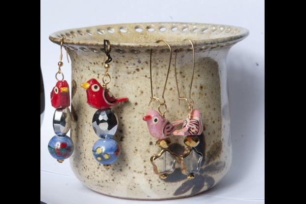 My Artitude, www.facebook.com/MyArtitudeIndia and Yellow Button, Bangalore: Ceramic earring holder, Rs635.