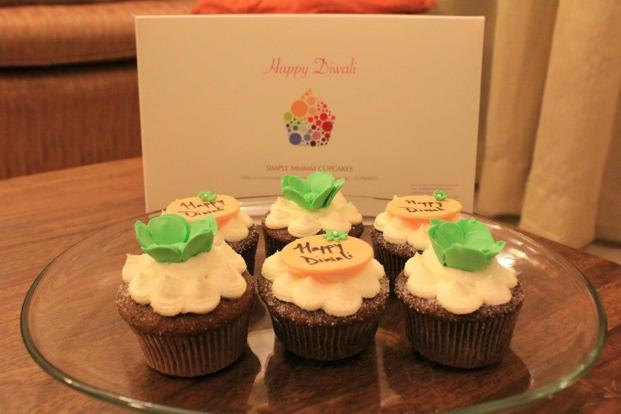 <b>Simply mmmm cupcakes: </b>Spiced cupcakes with sugarcraft, a pack of six in pretty, customized boxes Rs 600. Email simplymmmm.cupcakes@gmail.comor call 9740089227 (Bangalore).