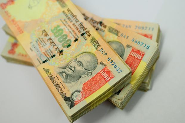 Sentiment on the rupee has turned negative again, as per a Reuters poll of forex strategists. Photo: Priyanka Parashar/Mint