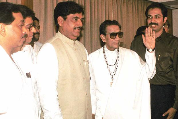 (From left) Then Shiv Sena leader Narayan Rane, BJP leader Gopinath Munde, Bal Thackeray and Uddhav Thackeray at a BJP-Shiv Sena meeting during the Maharashtra political crisis in Mumbai in 2002. HT
