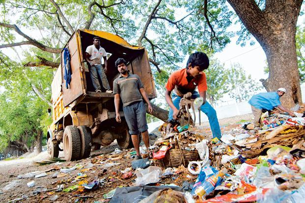 To tackle the immediate problem of garbage piling up in the city, Bruhat Bangalore Mahanagara Palike will continue landfilling at Mandur—one of the city's two landfills—after processing the waste. Photo: Aniruddha Chowdhury/Mint (Aniruddha Chowdhury/Mint)