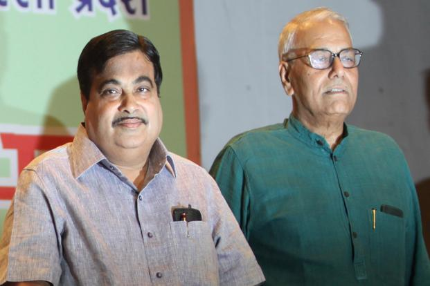 A file photo of BJP president Nitin Gadkari (left) with senior party leader Yashwant Sinha. Photo: Hindustan Times