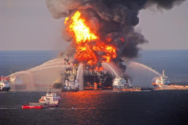 A file photo released by US Coast Guard in April 2010 shows a fire aboard the mobile offshore drilling unit Deepwater Horizon located in the Gulf of Mexico 52 miles southeast of Venice, Louisiana, USA. Photo: EPA/US Coast Guard