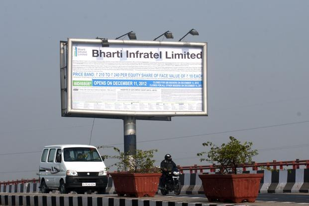 At 10:14am on Friday, the Bharti Infratel stock was down 11.45% at Rs194.80 on NSE, with volume traded at 11.34 million shares. Photo: Ramesh Pathania/Mint