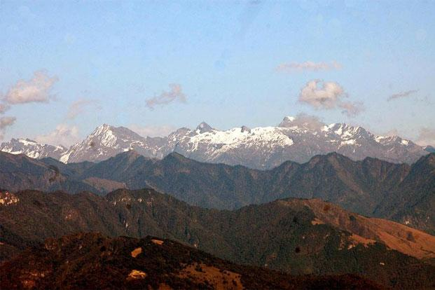 A file photo of snow-capped mountain ranges of the Himalayas. Photo: Hindustan Times