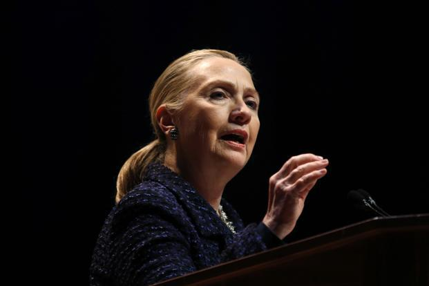 US officials said on 15 December that Hillary Clinton, who earlier cancelled an overseas trip because of a stomach virus, suffered a concussion after fainting due to dehydration. Photo: Reuters