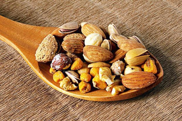 Nuts should be eaten raw or unsalted.
