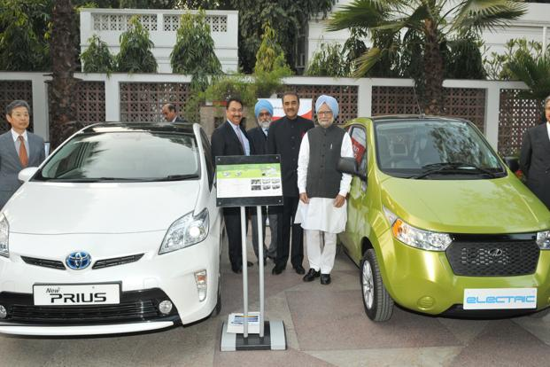 Prime Minister Manmohan Singh at the launch of the National Electric Mobility Mission Plan 2020 in New Delhi. Photo: PIB