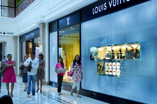 Big Online Clothing Sale