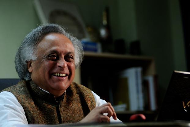 Jairam Ramesh has also sought the establishment of worksite facilities such as creches and drinking water besides protection from the vagaries of weather for women workers. Photo: Pradeep Gaur/Mint