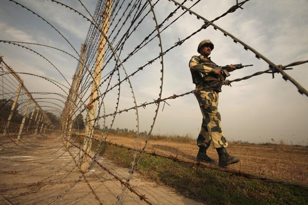 A file photo of an Indian Border Security Force (BSF) soldier patrolling in Suchetgarh, Jammu and Kashmir. Photo: Reuters