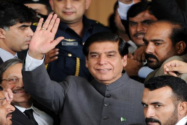 A file photo of Pakistani Prime Minister Raja Pervez Ashraf (centre) in Islamabad. Photo: AFP