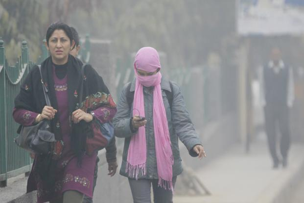 A strong western disturbance is expected to affect the northwest region of the country during the next two days starting from Wednesday. Photo: Sushil Kumar/Hindustan Times