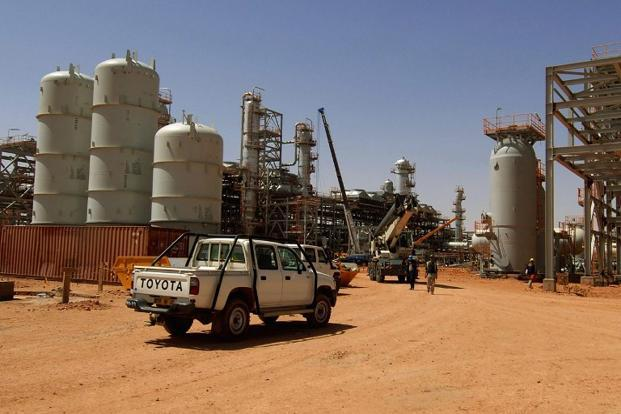 Algerian troops surrounded Islamists holding foreign hostages at the gas field on Thursday a day after a deadly attack the gunmen said was in reprisal for Algeria's cooperation in French operations in Mali. Photo: AFP