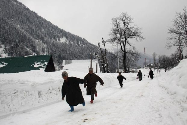 Snowfall in Jammu and Kashmir will occur at higher places and plains will have rain. Photo: Hindustan Times